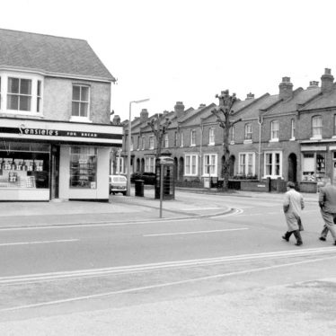 Lillington.  Corner of Lime Avenue