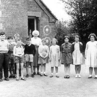 Cherington.  Group of schoolchildren