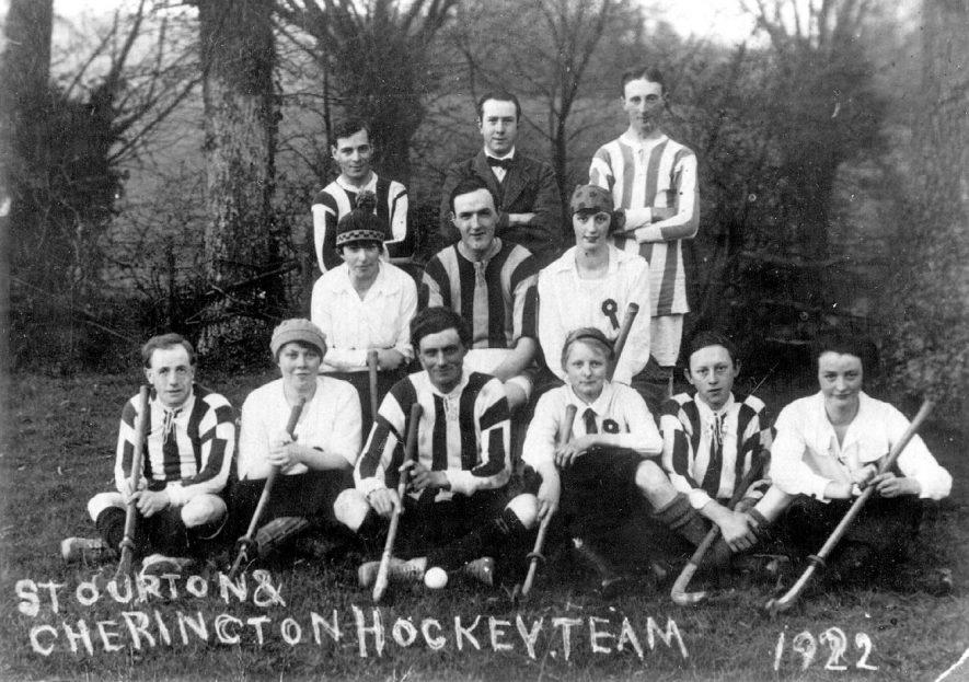 Members of Cherington and Stourton mixed hockey team.  1922    IMAGE LOCATION: (Warwickshire County Record Office)