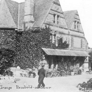 Newbold on Stour.  The Grange
