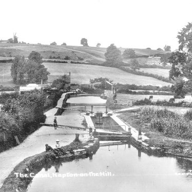 Napton on the Hill.  Oxford Canal and Locks
