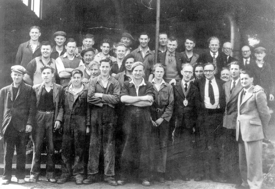 Group of workers from the brickworks, Napton on the Hill.  1940s |  IMAGE LOCATION: (Warwickshire County Record Office)