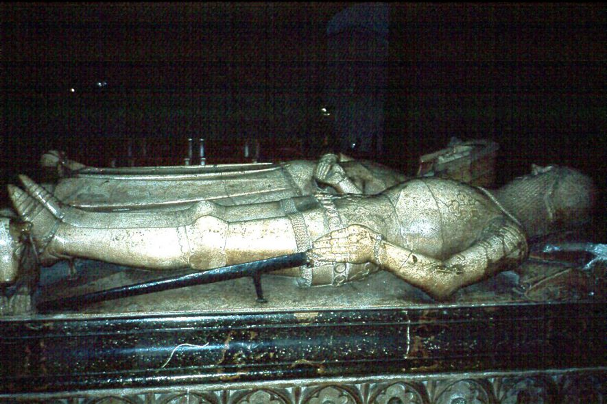 Warwick St Mary.  Effigy on the tomb of Thomas Beauchamp, Earl of Warwick.  1989 |  IMAGE LOCATION: (Warwickshire County Record Office)