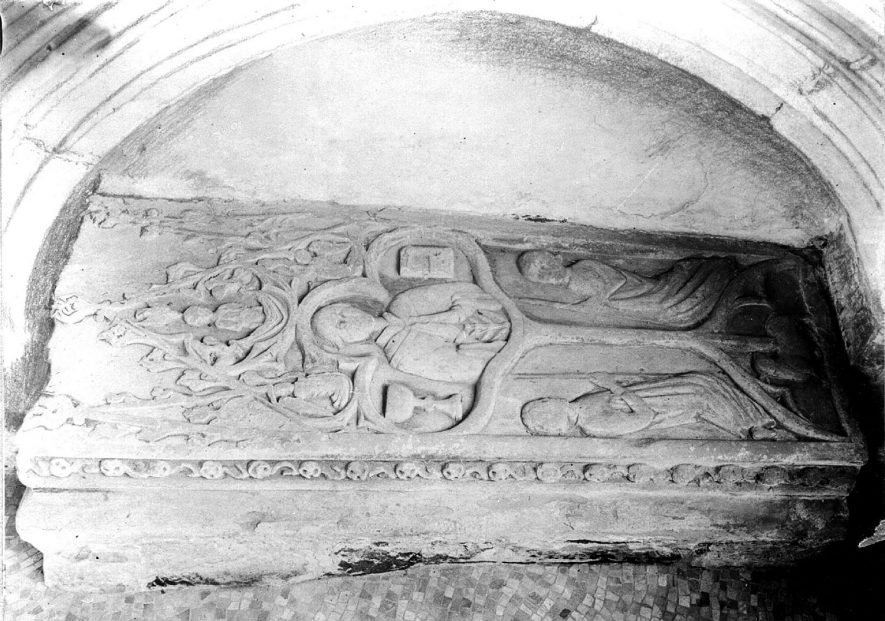Carved tomb at St Mary's church, Newton Regis.  1930s |  IMAGE LOCATION: (Warwickshire County Record Office)