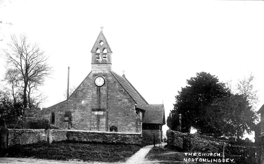 Holy Trinity church, Norton Lindsey.  1910s |  IMAGE LOCATION: (Warwickshire County Record Office)