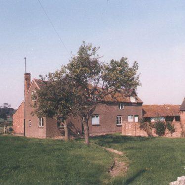 Norton Lindsey.  Marraway cottages