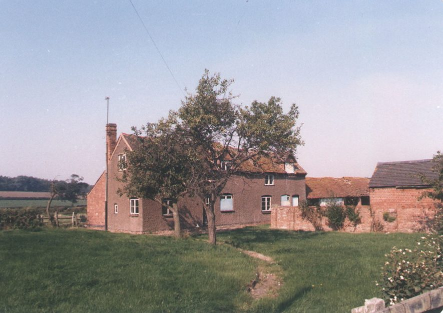Marraway cottages, Heath End Lane, Norton Lindsey.  1986    IMAGE LOCATION: (Warwickshire County Record Office)