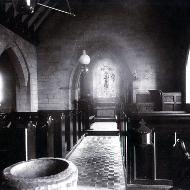 Norton Lindsey.  Holy Trinity church interior