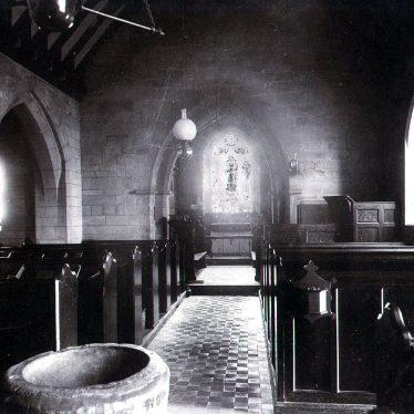 Norton Lindsey.  Holy Trinity church interior
