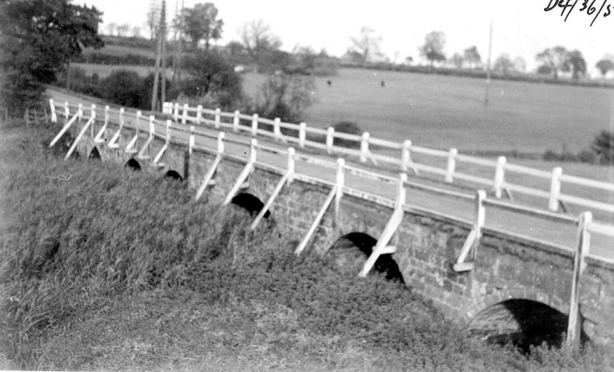 Bridge over the River Avon, as seen from the embankment south of the river. Newton.  1950s |  IMAGE LOCATION: (Warwickshire County Record Office)
