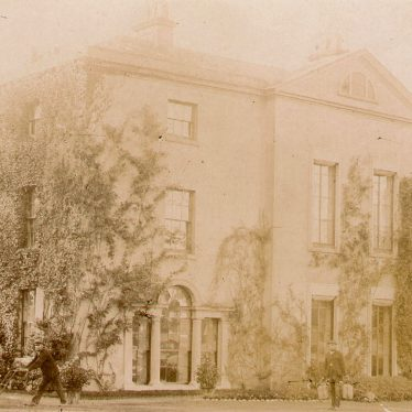 Newbold Pacey.  Newbold Pacey Hall