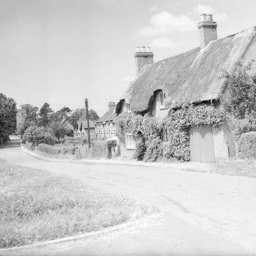 Offchurch.  Thatched cottages