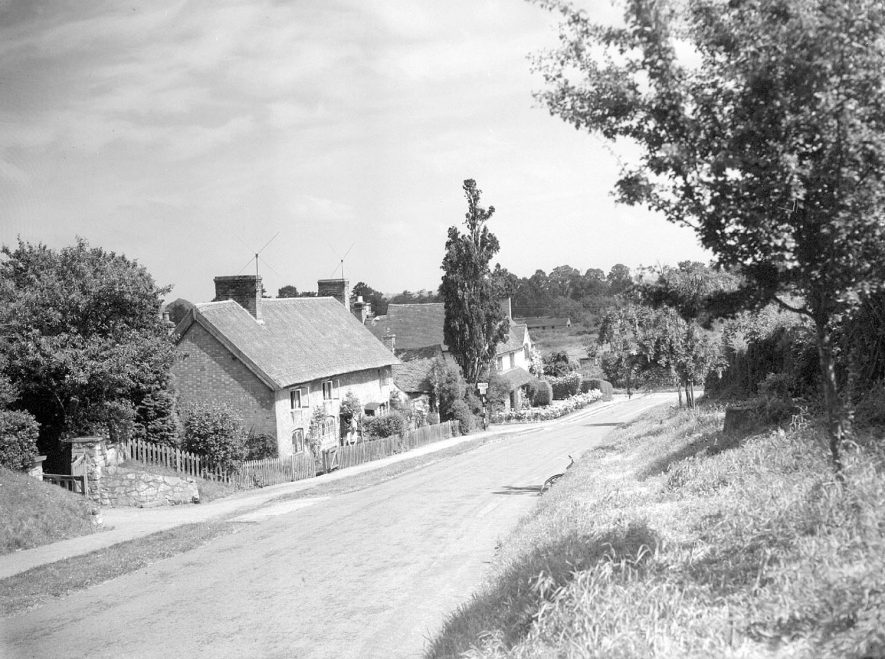 Offchurch Cottages.  1958 |  IMAGE LOCATION: (Warwickshire County Record Office)
