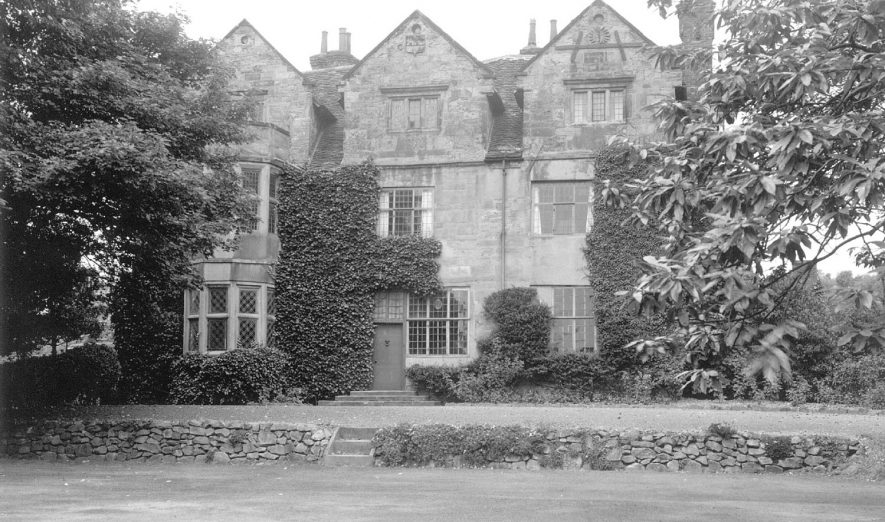 Front view of Hall End Hall, Dordon. 1940 |  IMAGE LOCATION: (Warwickshire County Record Office)