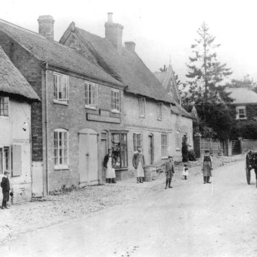 Pailton.  Lutterworth Road