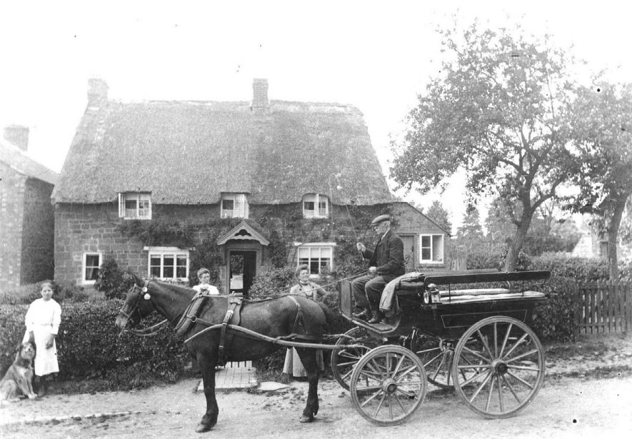 Rose Cottage, Howcombe Hill. Edwin  Alsop, farmer & carrier, on a horse and trap.  1890s    IMAGE LOCATION: (Warwickshire County Record Office) PEOPLE IN PHOTO: Alsop, Edwin, Alsop as a surname
