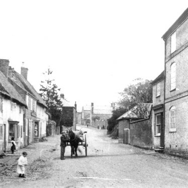 Pailton.  Lutterworth Road