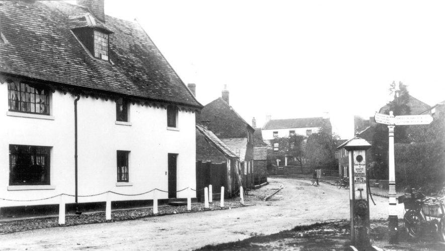 Village centre, Pailton.  Circa 1900 |  IMAGE LOCATION: (Warwickshire County Record Office)