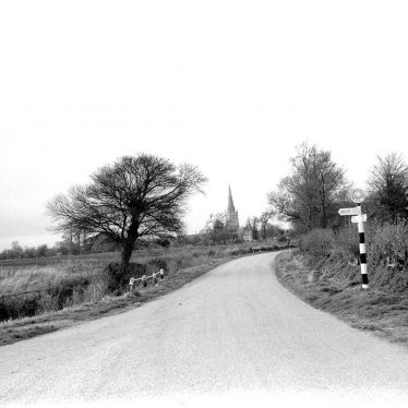 Quinton, Lower.  Road into village