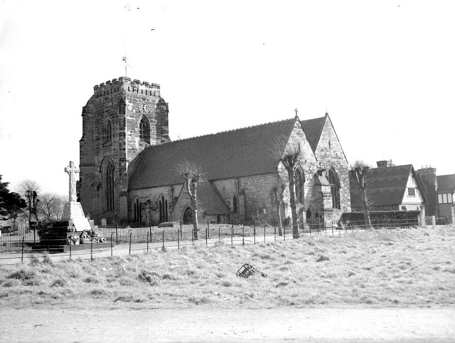 Polesworth parish church and war memorial (1939-45).  1959 |  IMAGE LOCATION: (Warwickshire County Record Office)