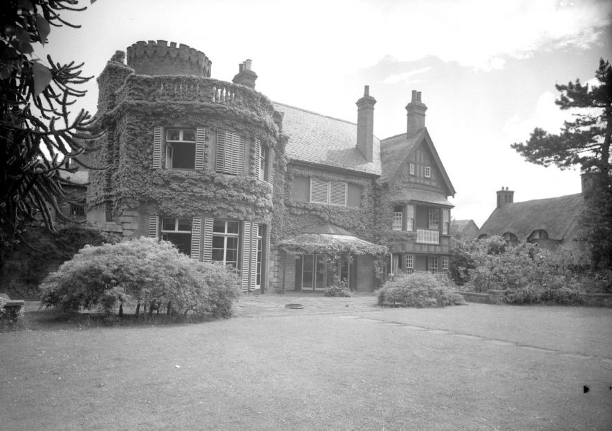 The manor house from rear, Radford Semele.  1950    IMAGE LOCATION: (Warwickshire County Record Office)
