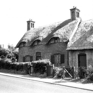 Radford Semele.  Manor Cottage
