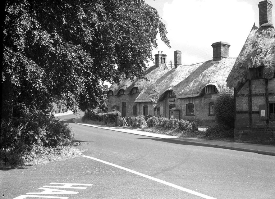 Manor Cottage and old post office . Radford Semele.  1956 |  IMAGE LOCATION: (Warwickshire County Record Office)