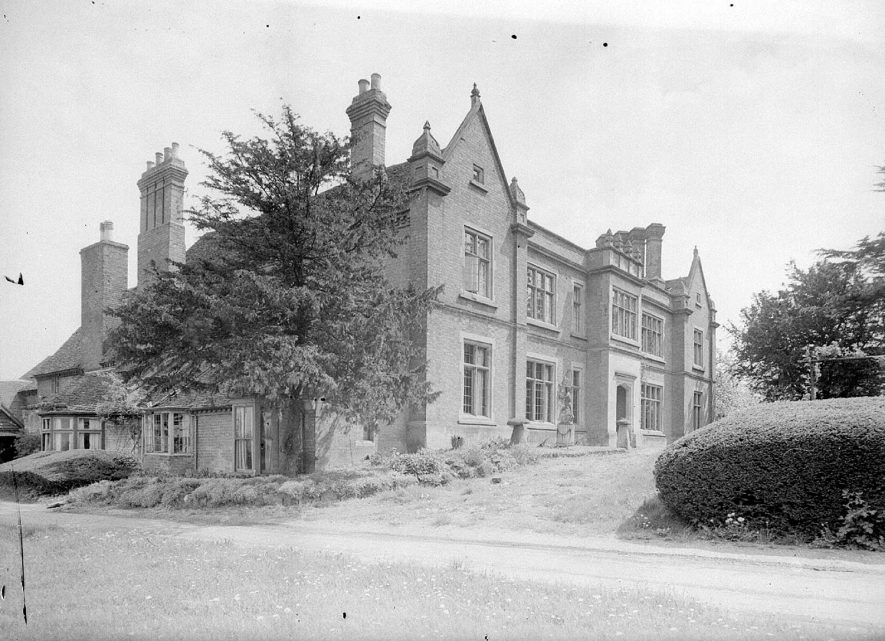 Radford Hall, front & side exterior, Radford Semele.  1947 |  IMAGE LOCATION: (Warwickshire County Record Office)