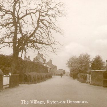 View of Church Road with The Malt Shovel Pub centre left, Ryton on Dunsmore.  1910 | IMAGE LOCATION: (Warwickshire County Record Office)