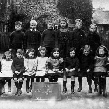Ettington.  School group photograph