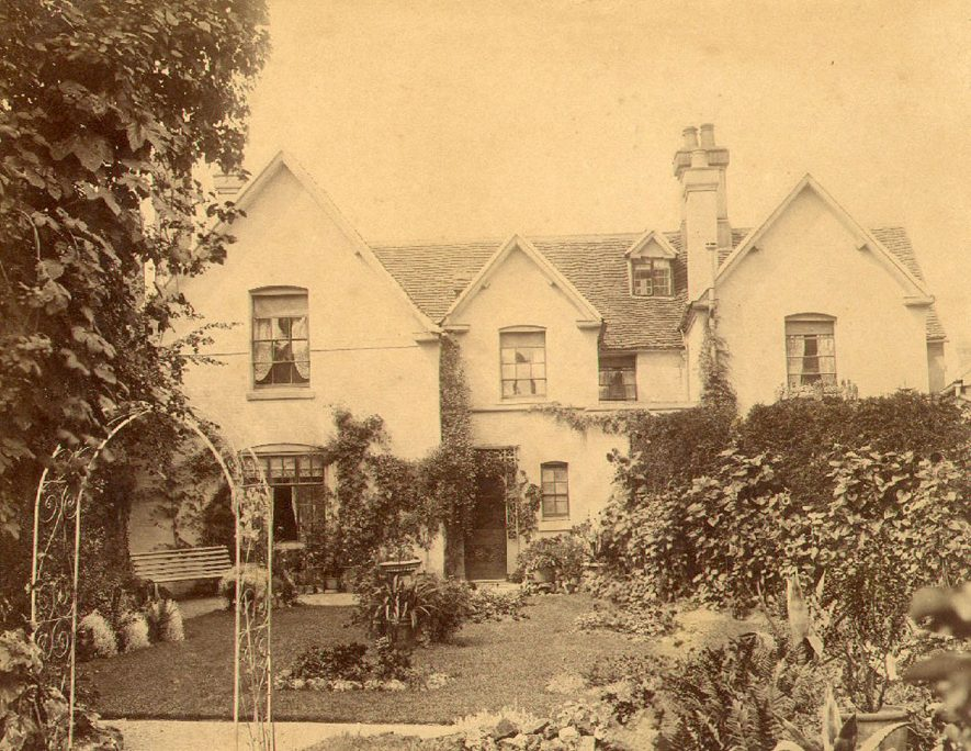 Rear of Arundel House, Southam. This house used to be the Rural District Council offices.  1900s |  IMAGE LOCATION: (Warwickshire County Record Office)
