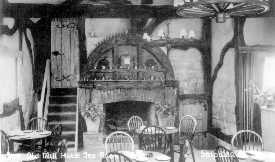 The Old Mill hotel tea-room at Shipston on Stour.  1950s |  IMAGE LOCATION: (Warwickshire County Record Office)