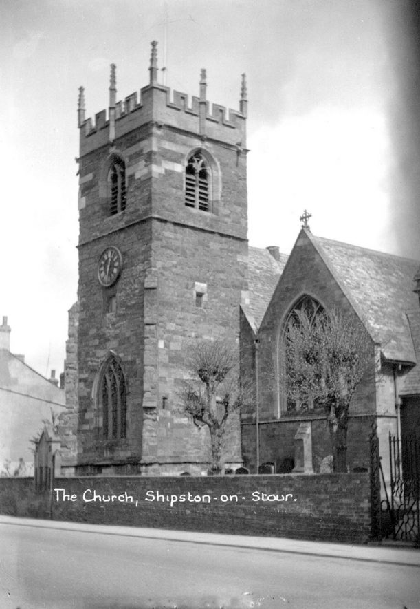 Exterior of St Edmund's church, Shipston on Stour.  1950s |  IMAGE LOCATION: (Warwickshire County Record Office)