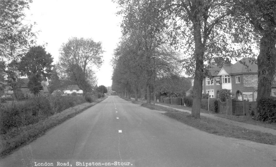 London Road, Shipston on Stour.  1960s |  IMAGE LOCATION: (Warwickshire County Record Office)