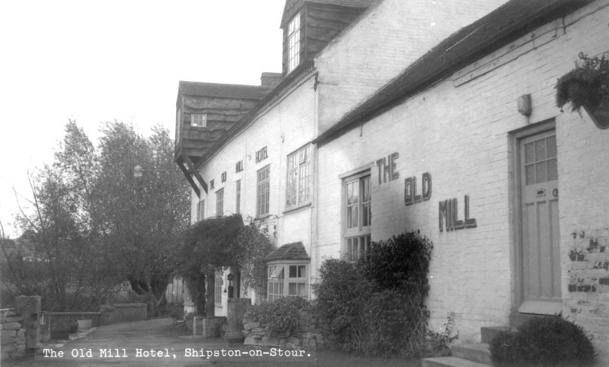 The Old Mill hotel, Shipston on Stour. Formerly a flour mill. 1960s |  IMAGE LOCATION: (Warwickshire County Record Office)