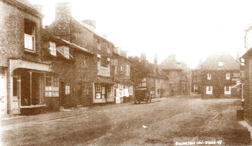 New Street, Shipston on Stour.  1930    IMAGE LOCATION: (Warwickshire County Record Office)
