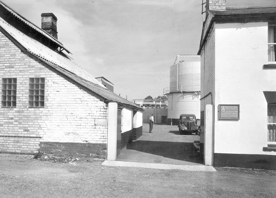 The West Midlands gas works, Shipston on Stour.  1960s    IMAGE LOCATION: (Warwickshire County Record Office)