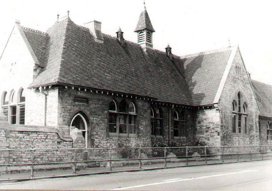 Exterior of the County Primary school, Stratford Road, Shipston on Stour.  1966 |  IMAGE LOCATION: (Warwickshire County Record Office)