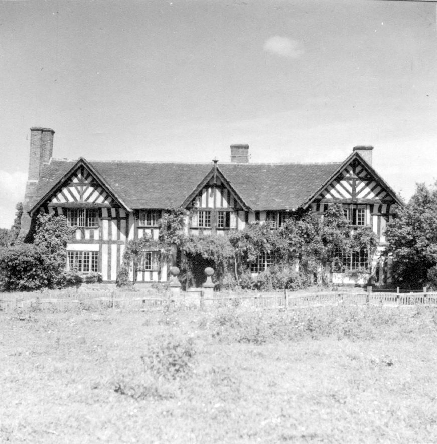 The Manor House, Stoneleigh.  1940s |  IMAGE LOCATION: (Warwickshire County Record Office)