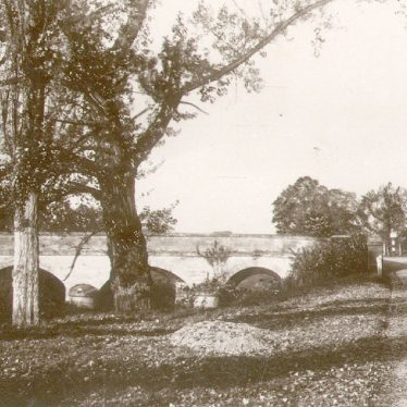 Stoneleigh.  Bridge