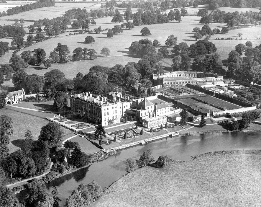 Stoneleigh Abbey, viewed from the air.  1950s    IMAGE LOCATION: (Warwickshire County Record Office)