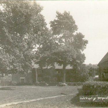 Sutton under Brailes.  Village scene