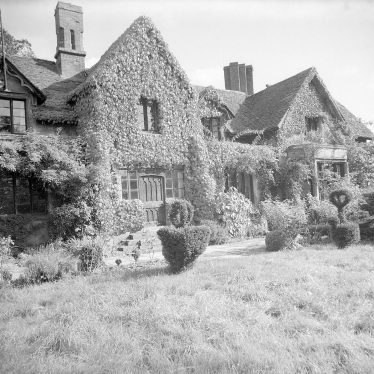 Studley.  The Old Castle