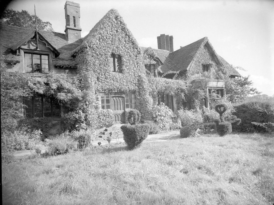 Rear exterior of The Old Castle and garden. 1958[This was the former home of the family who later built the much grander Studley castle] |  IMAGE LOCATION: (Warwickshire County Record Office)