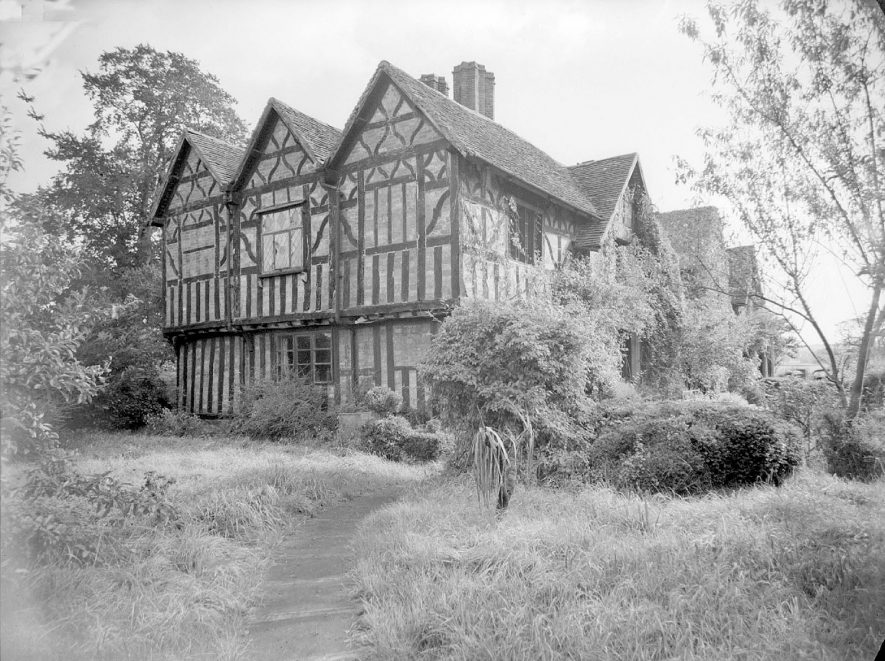 Front exterior of The Old Castle and garden. 1958[This was the former home of the family who built the much grander Studley Castle] |  IMAGE LOCATION: (Warwickshire County Record Office)