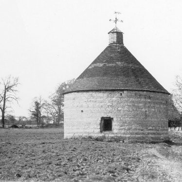 Temple Grafton.  Dovecote