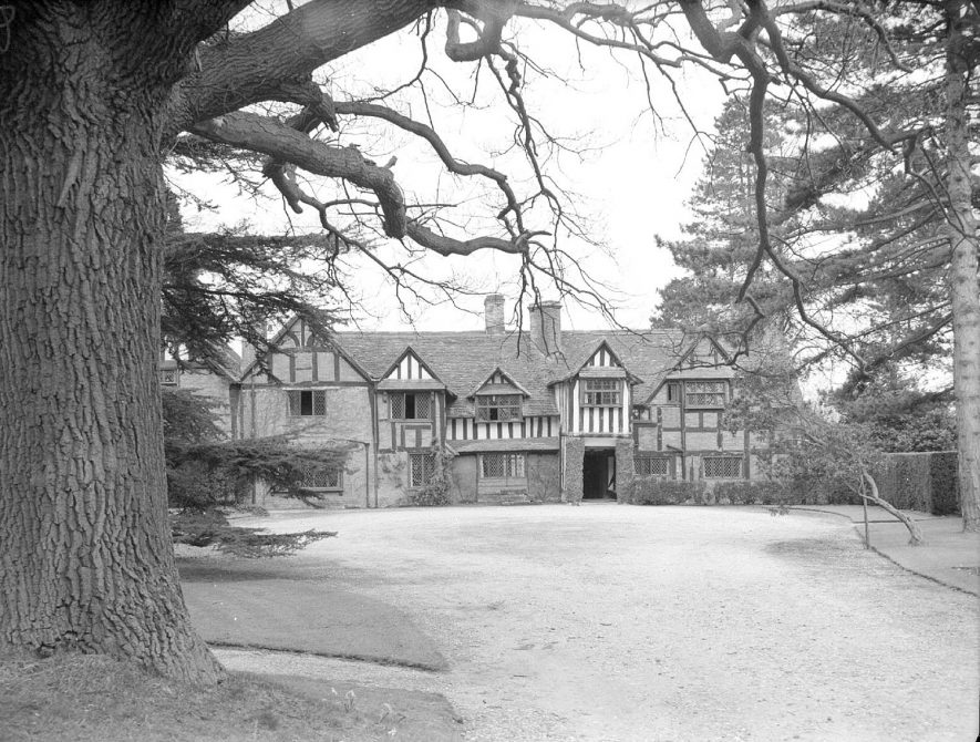 Front view of Shakespeare Hall, Rowington.  April 12th 1955 |  IMAGE LOCATION: (Warwickshire County Record Office)