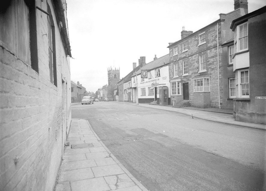 Shipston on Stour church and Chesham and Brackley Breweries Ltd.  February 15th 1958 |  IMAGE LOCATION: (Warwickshire County Record Office)