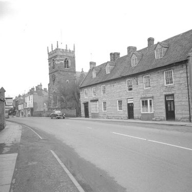 Shipston on Stour.  Church and stone cottages