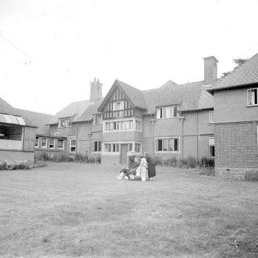 Shipston on Stour.  Ellen Badger Hospital and garden